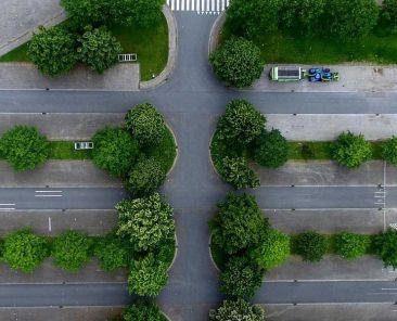 Car hire guide - Shows an airport car park