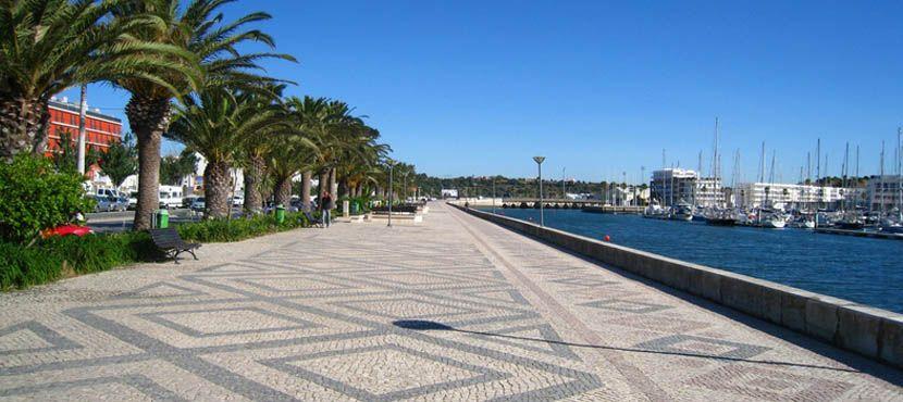 Algarve car hire - road