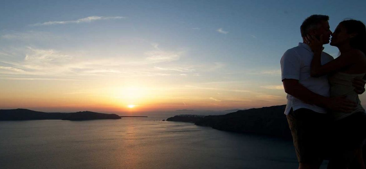 Romantic things to see and do in Santorini
