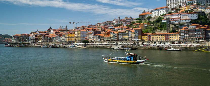Porto 3 day itinerary - Shows a Duoro River Cruise