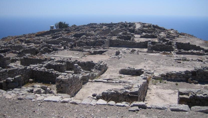 Shows Ancient Thera Ruins