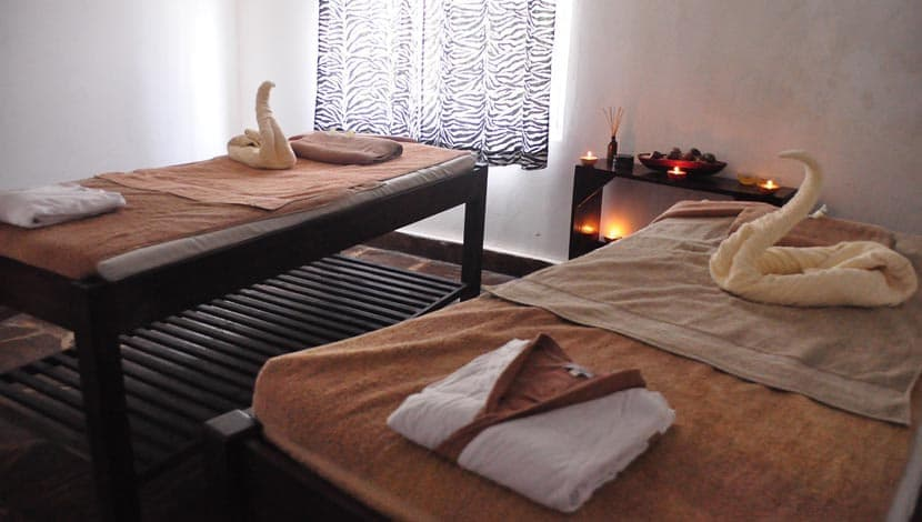Shows a romantic spa for couples