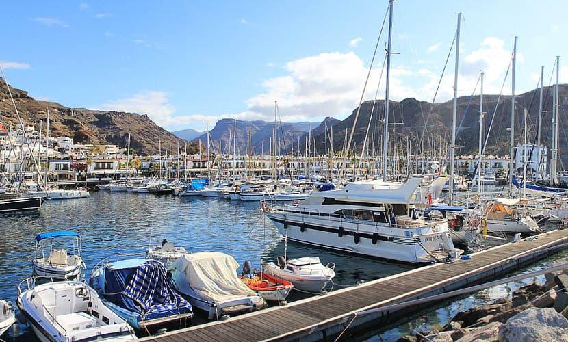 Spanish holiday island comparison - Gran Canaria marina