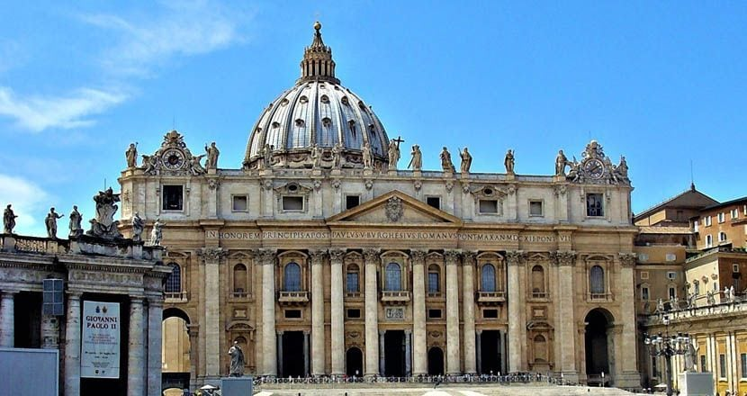 Shows St Peter's Basilica