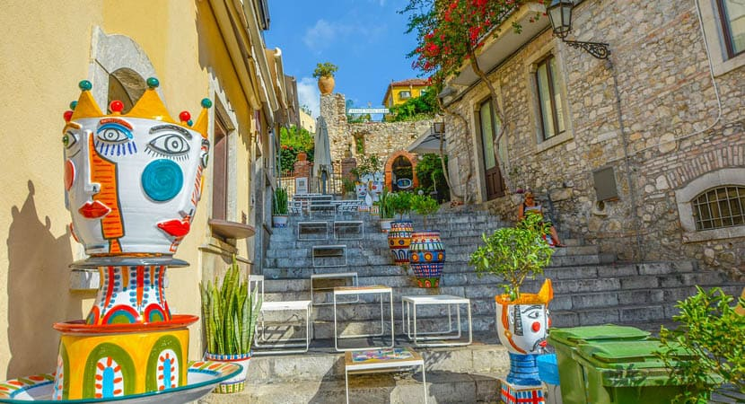 Sicily travel guide - Displays the colourful city steps of Taormina