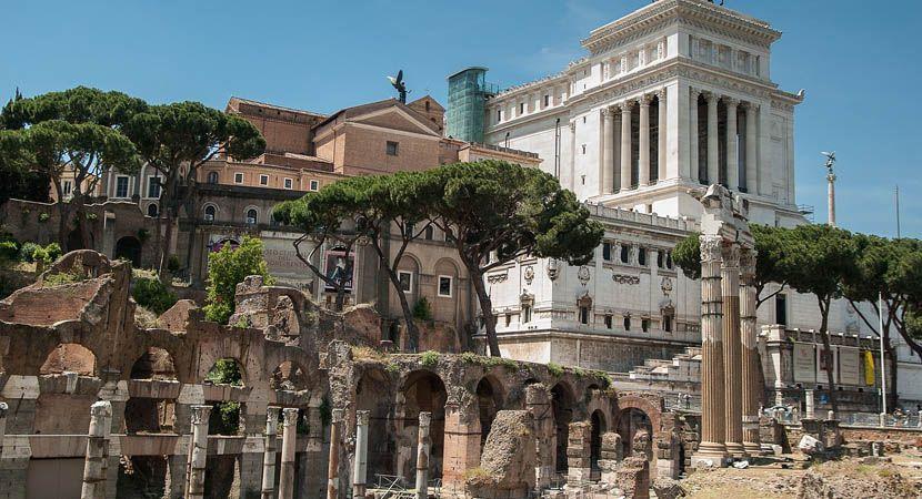 2 week Italy holiday itinerary - Rome monuments