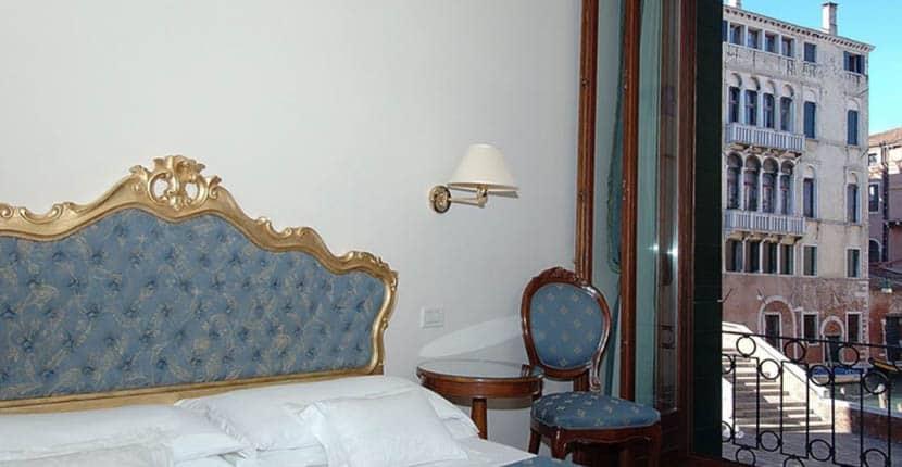 Cheap Venice Hotels - Locanda Sant'Agostin