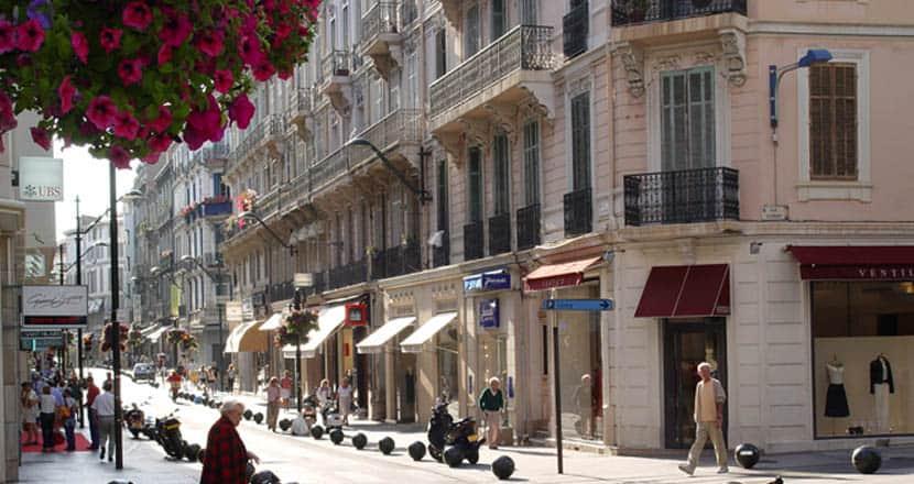 Cannes Rui d'Antibes shopping street