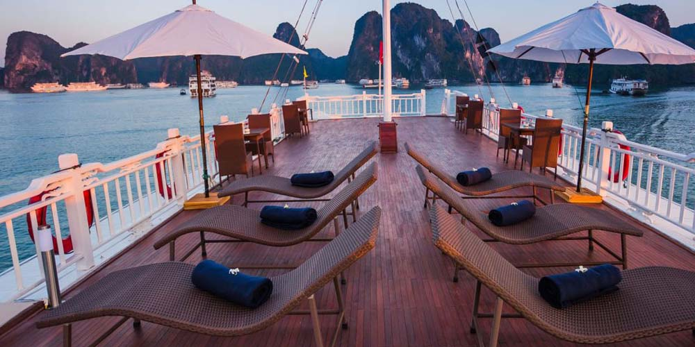 Compare Ha-long Bay cruises - Bhaya Classic cruise boat