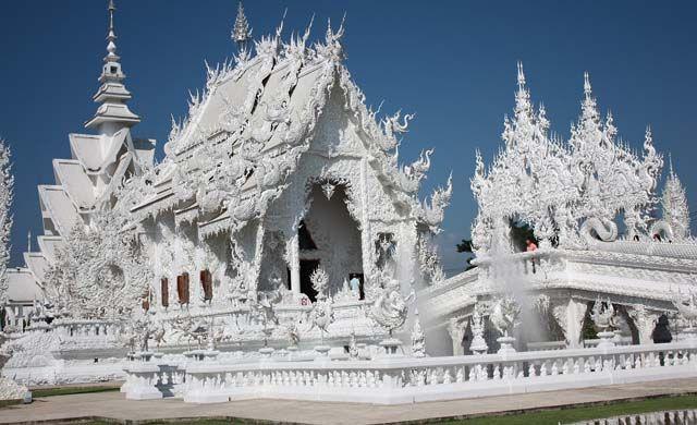 Thailand 2 week itinerary ideas - Chiang Rai Temples