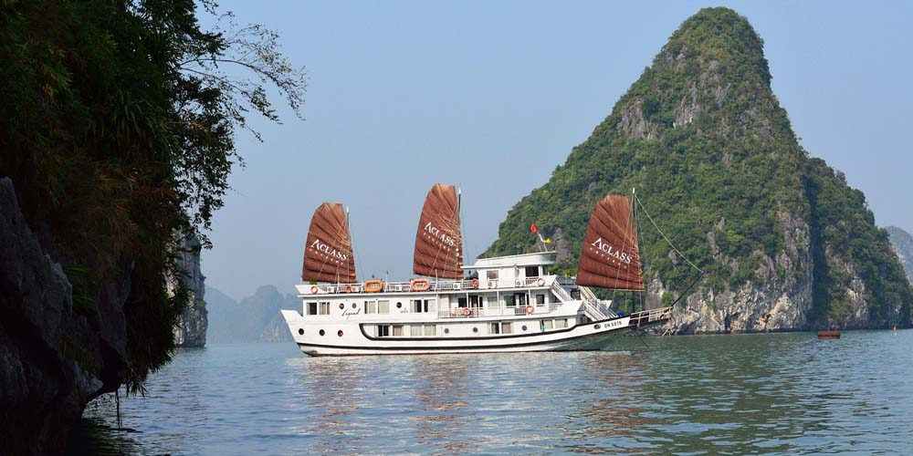 Vietnam family holiday ideas - Shows a Halong Bay cruise boat