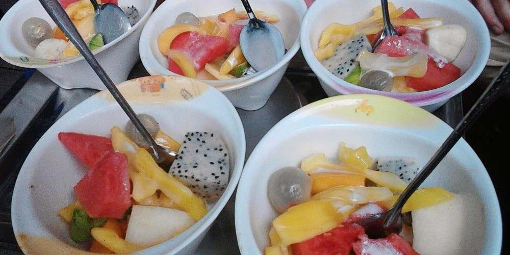 Hanoi street food - Fruit desserts