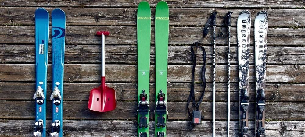 Suitcase packing list - ski equipment