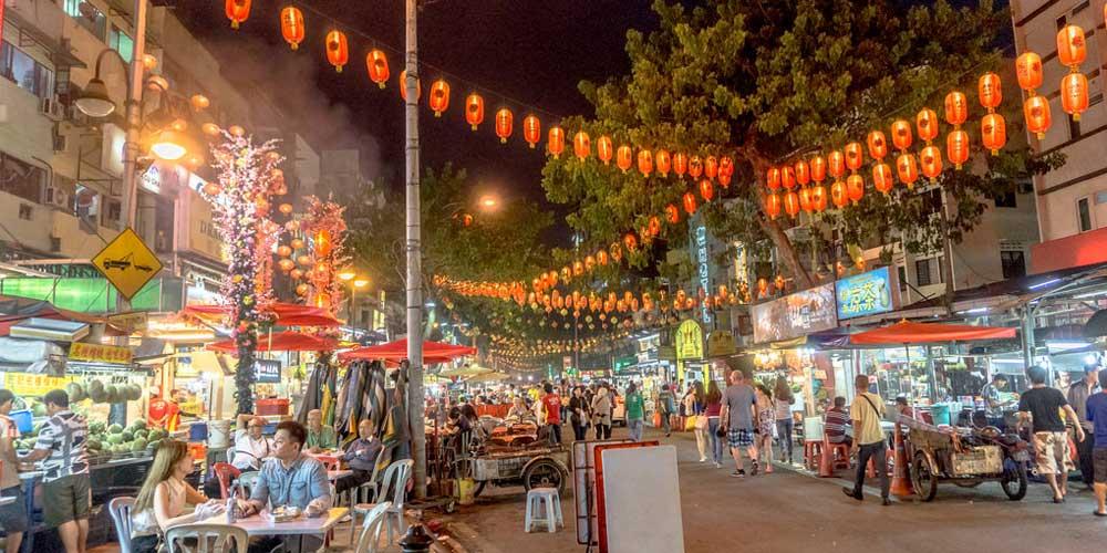 Kuala Lumpur 3 day itinerary - Shows Jalan Alor food market Kuala Lumpur