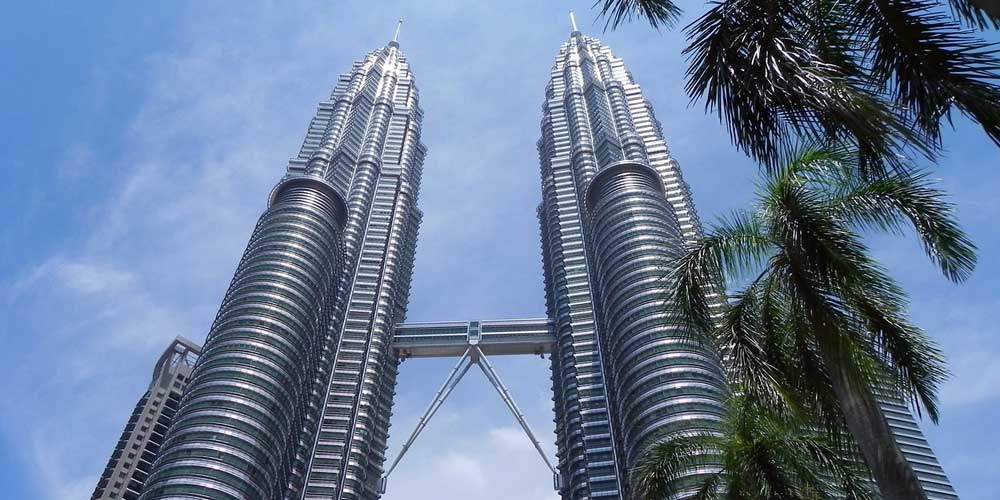 Kuala Lumpur 3 day itinerary - Shows Petronas Twin Towers