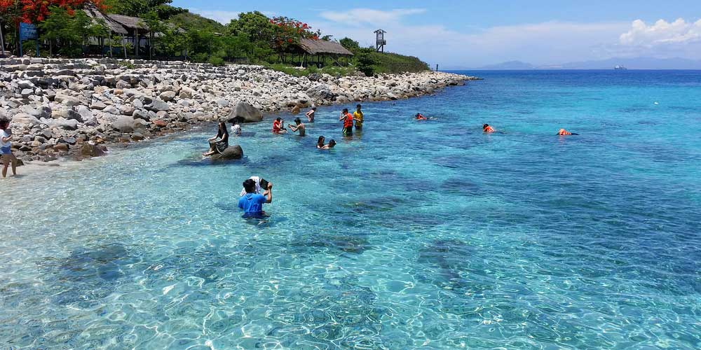 Nha Trang family holidays  shows turquoise ocean