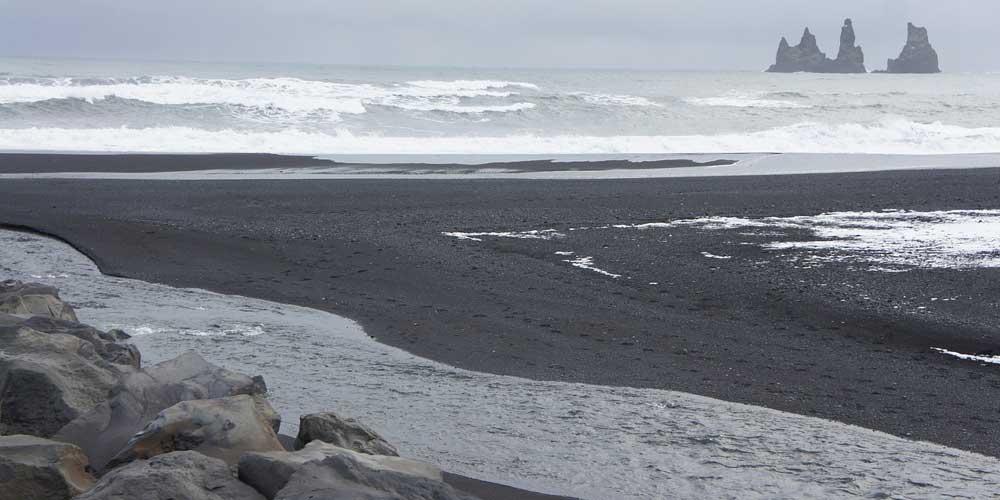 Shows Vik black sand beach - 3 days in Iceland