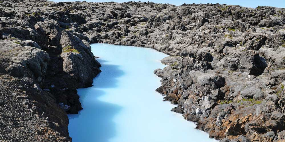 Iceland money and finance tips = Shows the Blue Lagoon thermal pools