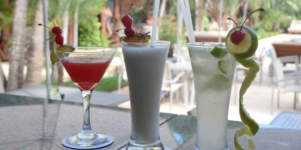 Low calorie drinks - staying fit and healthy on holiday