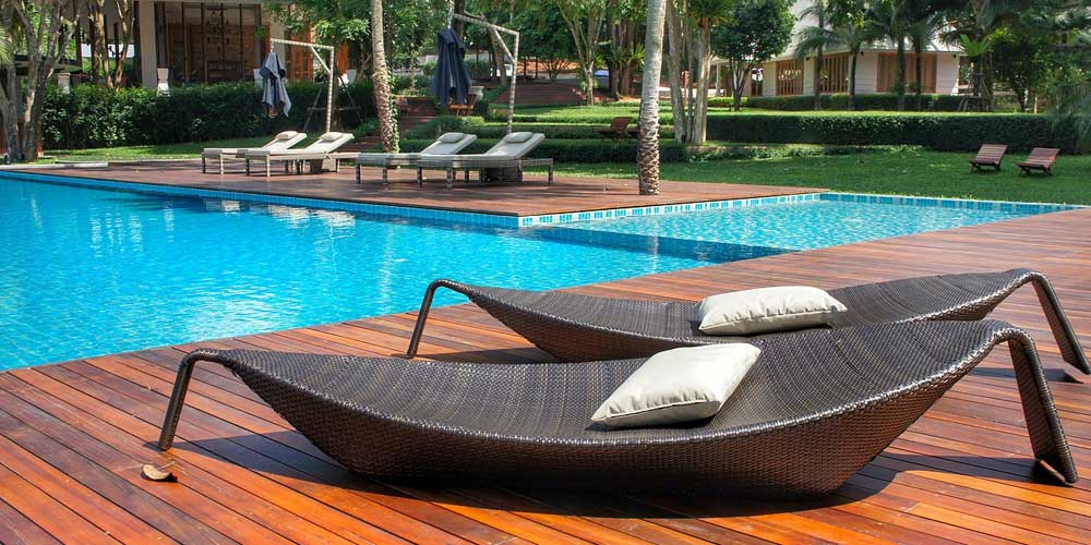 Hotel swimming pool - staying fit and healthy on holiday