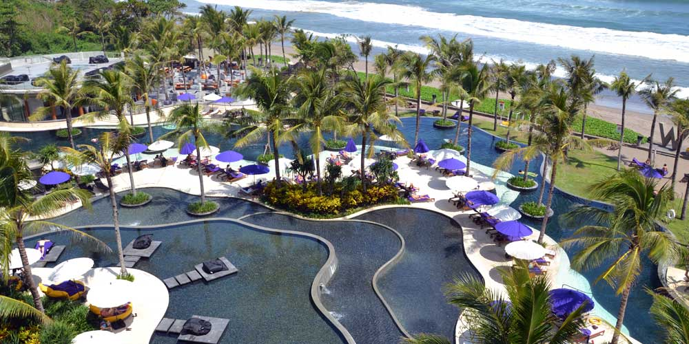 Best places to stay in Bali - Shows Seminyak beach resort