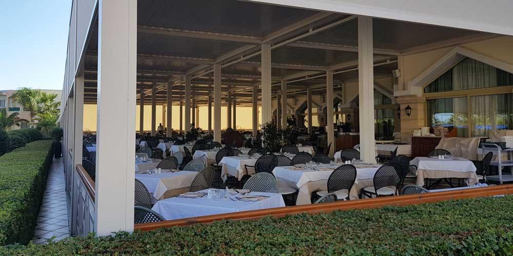 Shows Spondi Buffet restaurant