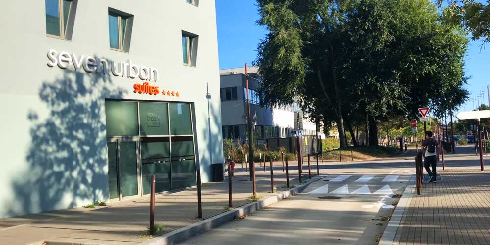 Where to stay in Nantes - Shows Seven Urban Suites Hotel main entrance