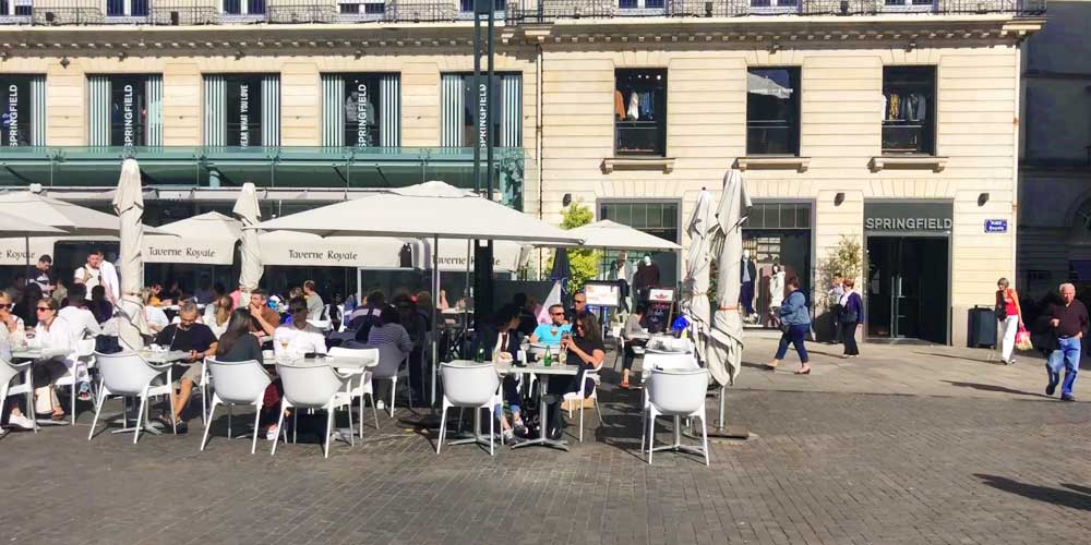 Nantes Restaurants - best places to eat  - Shows an outdoor cafe