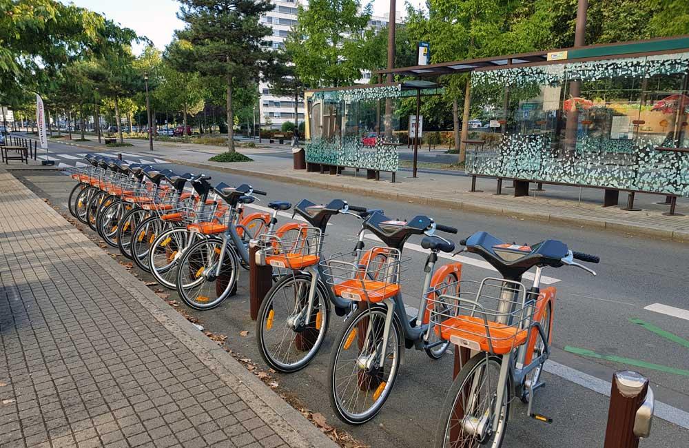 Nantes Bicloo bike rental - Nantes Travel Guide