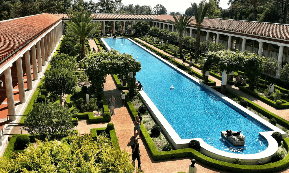 2 weeks in LA - depicts Malibu villa
