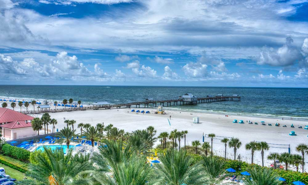 Clearwater and St Pete's day trips and excursions - depicts a beautiful beach