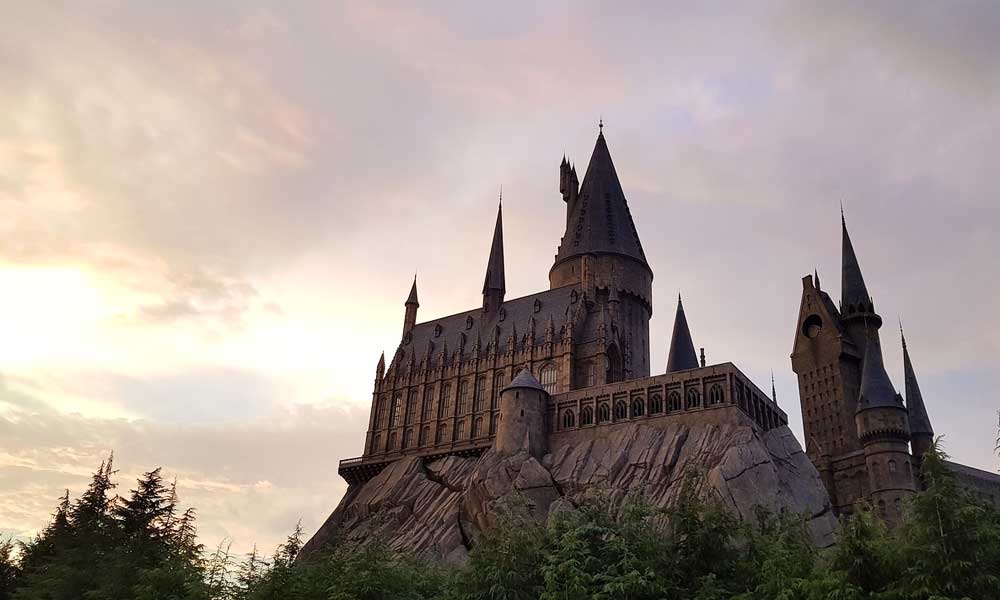 Best Orlando theme parks - Islands of Adventure Harry Potter Hogwarts castle