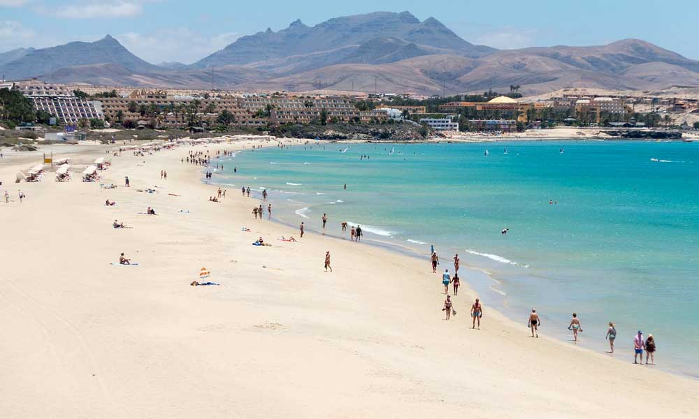 Beautiful white sand beach in Fuertaventura - where to go on holiday in March