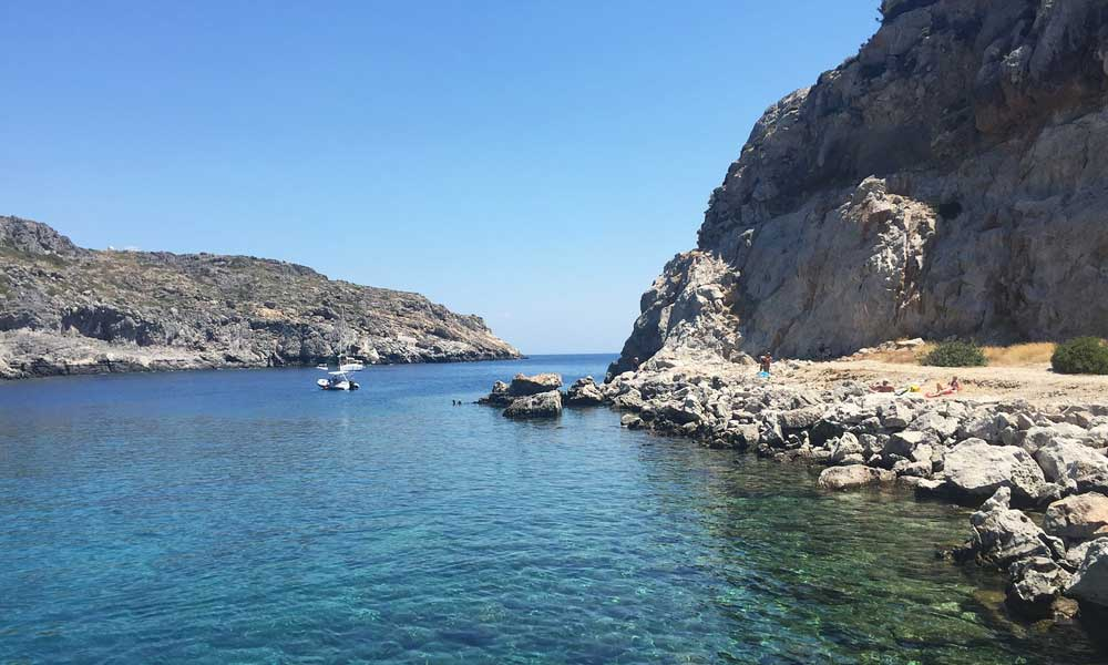 Shows the rocks and bay of Anthony Quinn Bay - Lindos day-trips