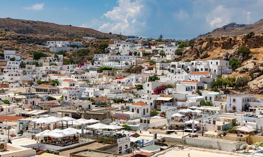 Shows Lindos town streets - shopping in Lindos