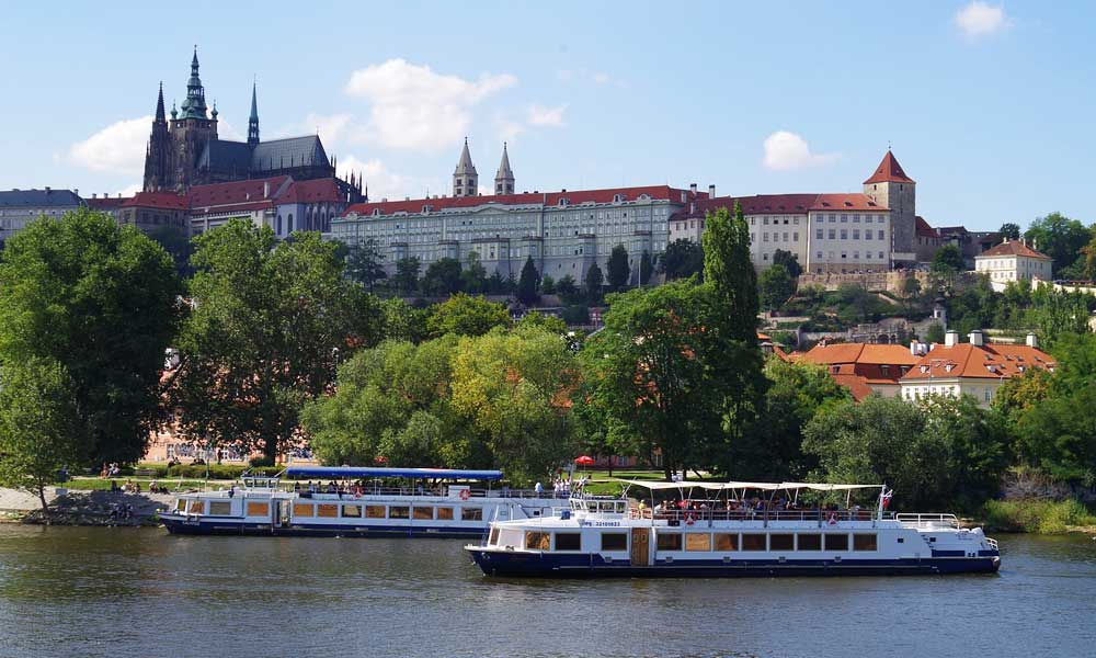 Things to do in Prague - shows Prague castle and river