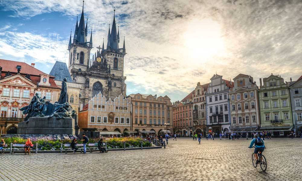 Top travel questions for Prague - shows Old Town Square