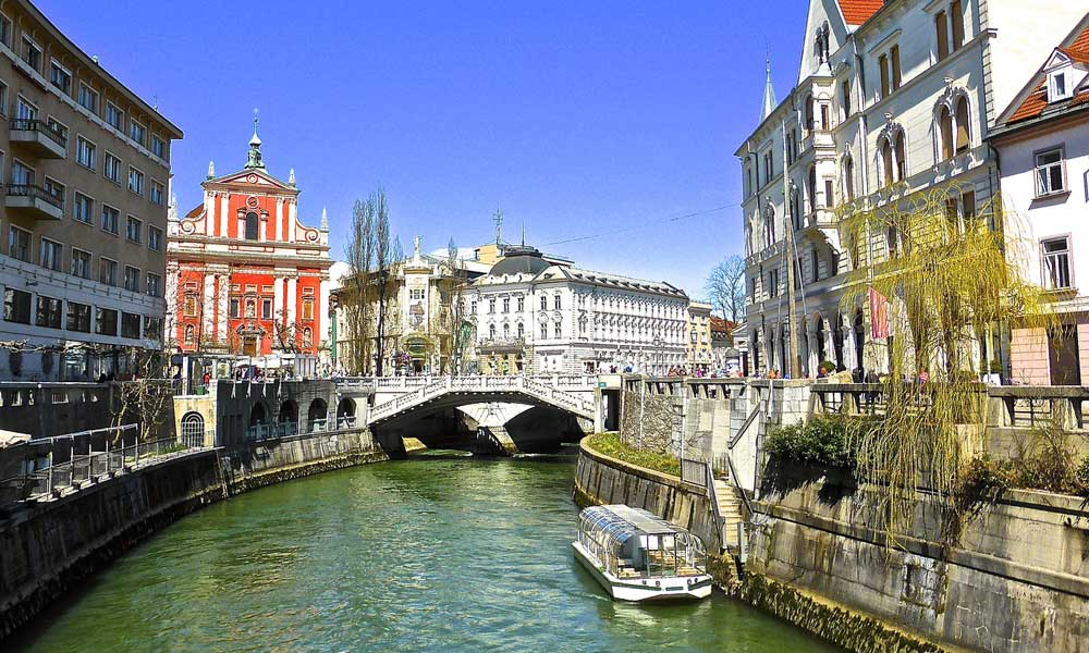 August city break ideas - Shows river in Ljubljana
