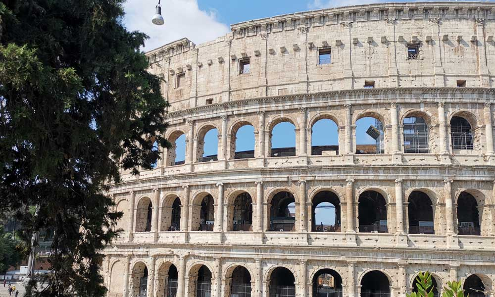 Shows the Roman Colosseum - Rome Cruise Guide itinerary