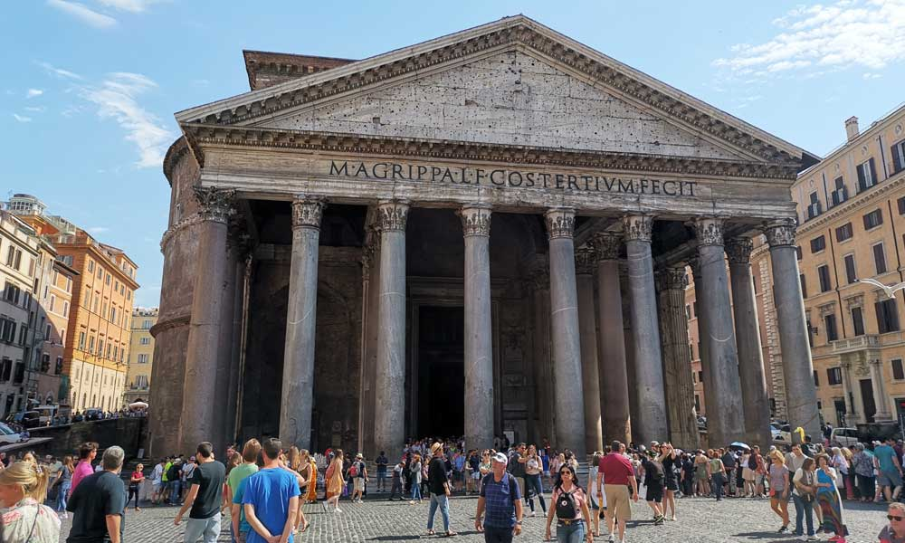 Shows the Pantheon building - Rome in a day itinerary