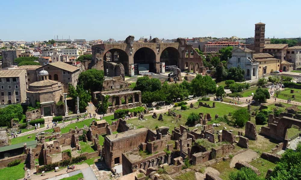 Rome in a day - one day itinerary - Shows the Roman Forum ruins