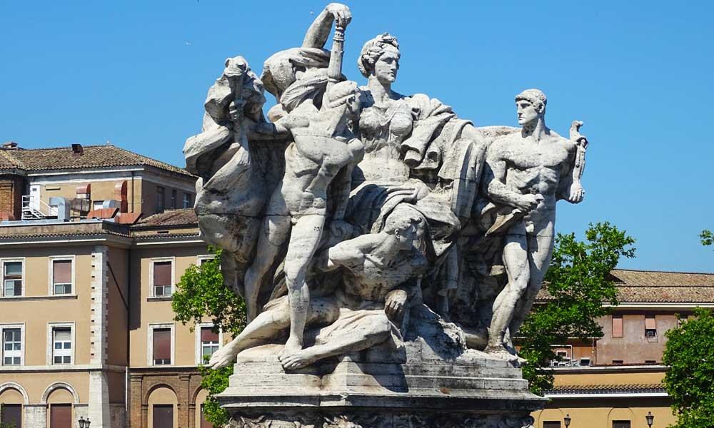 Rome cruise travel tips - one day in Rome - Shows an iconic statue
