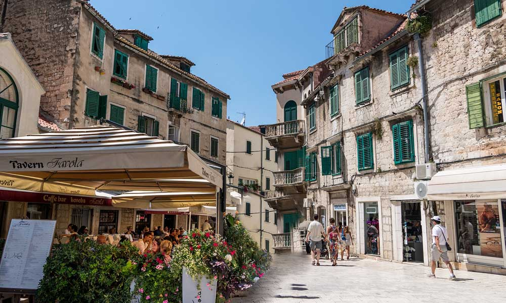 Shows the streets and cafes of Split, Croatia - The best car hire in Split