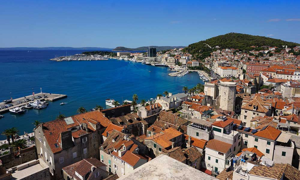 Best car hire companies Zadar - Shows Zadar old town from above