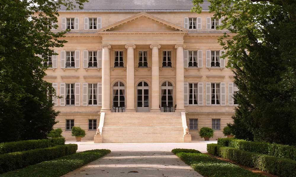 September city break ideas - Shows chateau in Bordeaux
