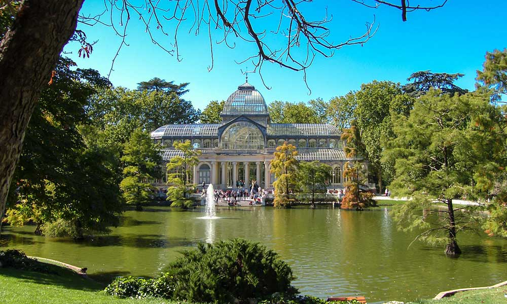 Where to go on holiday in September - Shows park in Madrid