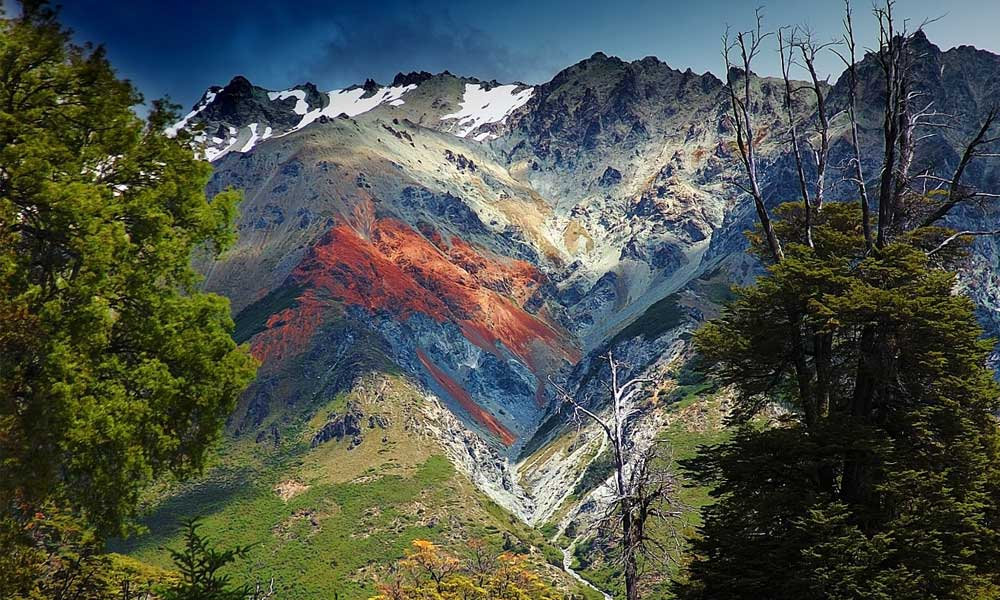 Shows mountains of Patagonia
