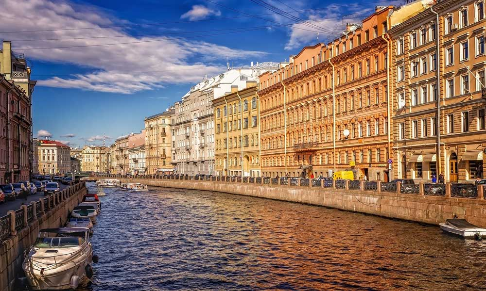 Where to go on holiday in September - Shows canals of St Petersburg