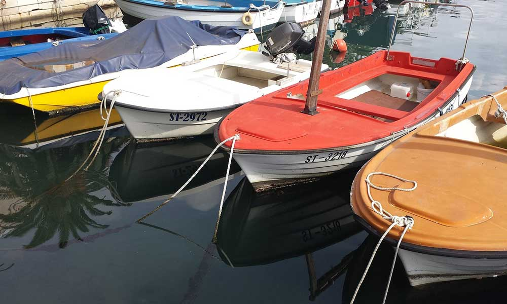 Shows boats at Split marina - Split travel tips