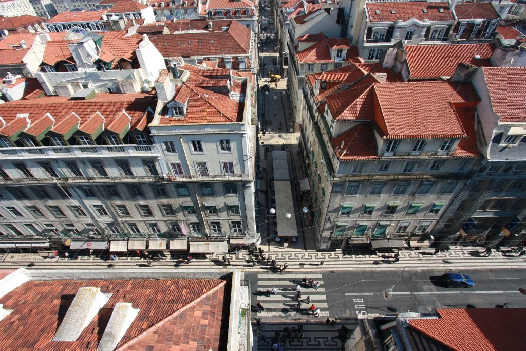 Best place to stay in Lisbon - Shows the streets of Baixa